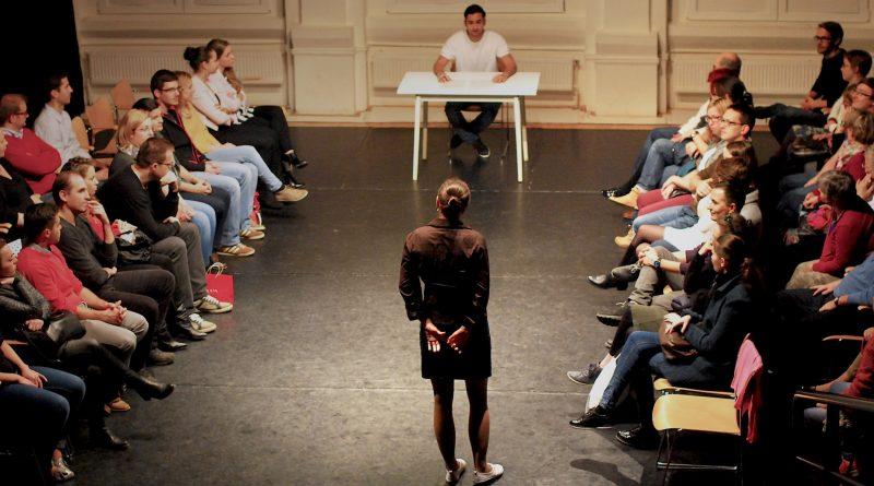 Színház falak nélkül - Vekker Műhely