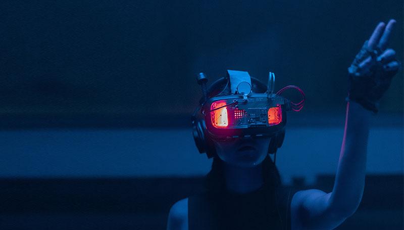 Posztmodern paraterek és elbizonytalanító eszközök a cyberpunk művészetben – dunszt.sk | kultmag